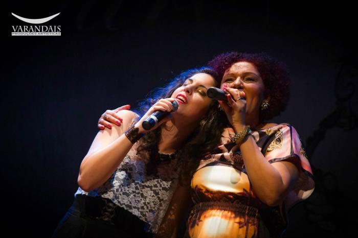 """Alice Galvão e Cláudia Vieira interpretando """"Tempero de Hortelã"""""""